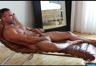 Big muscled step daddy fucks a..