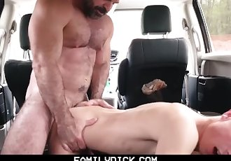 FamilyDick - Muscle bear dad..